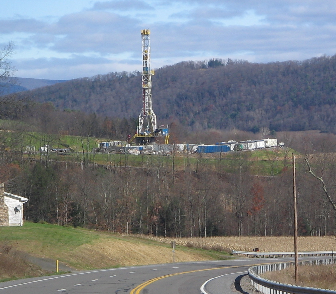 Tower for horizontal drilling