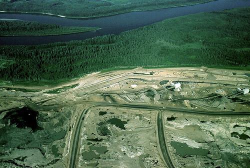 The Suncor Millennium Mine near the Athabasca River