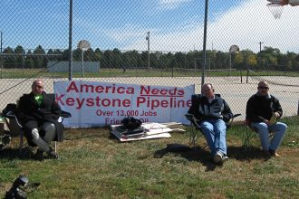 Pipeline supporters in Neb. before the start of a Keystone XL public hearing
