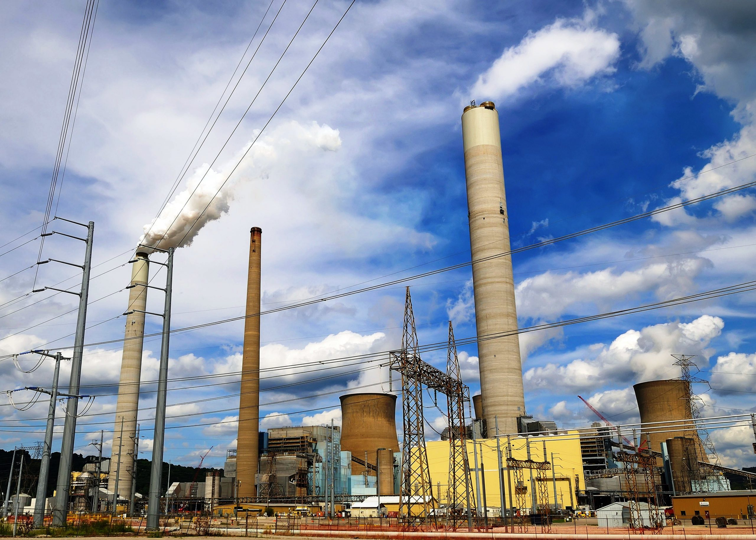 John E. Amos coal-fired power plant in West Virginia, owned and operated by Appa