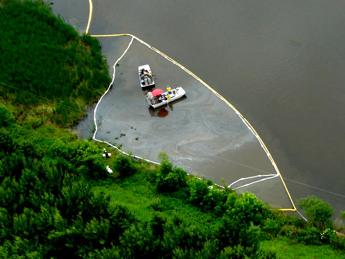 Submerged oil recovery on the Kalamazoo, June 2011
