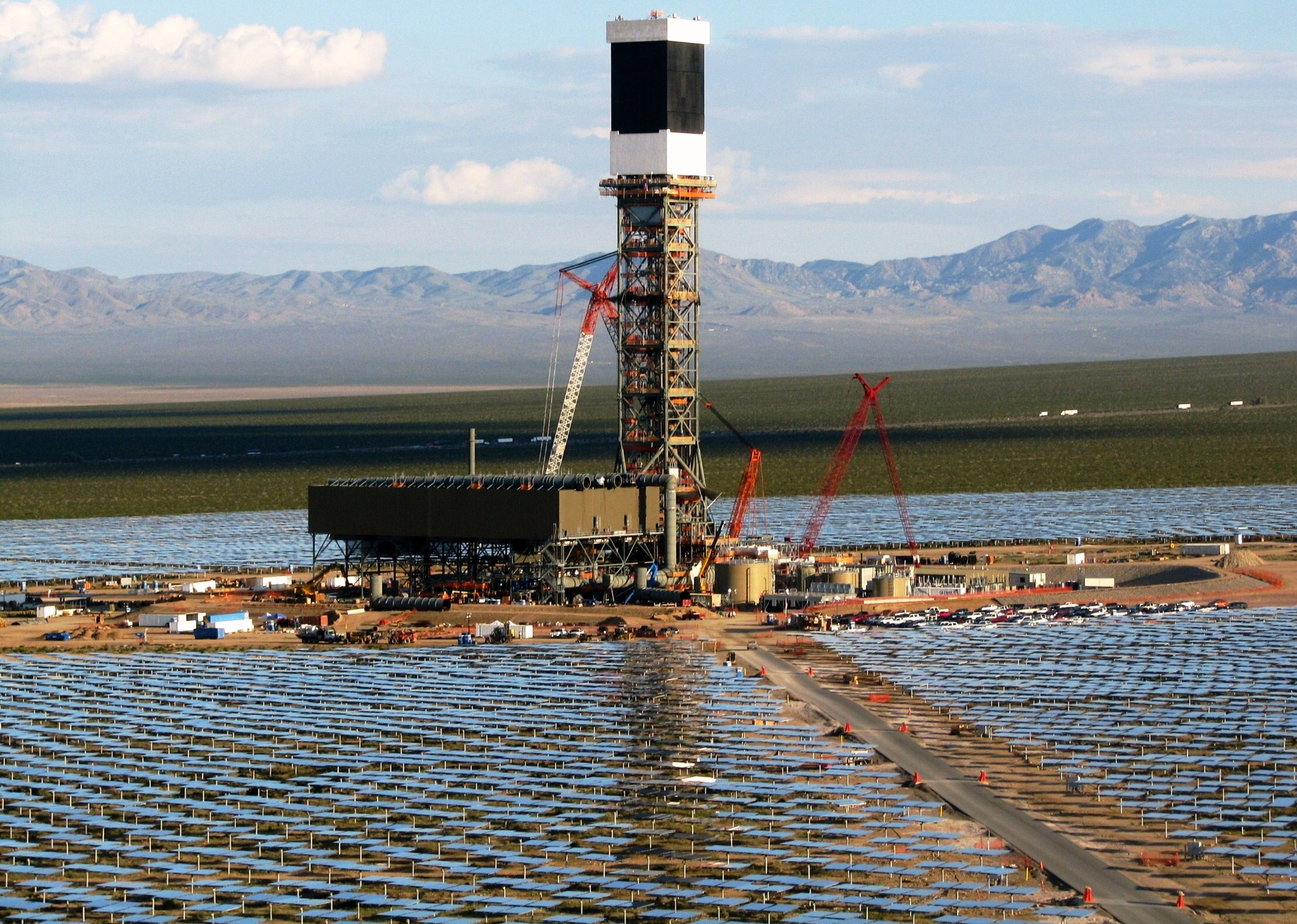 BrightSource's Ivanph solar project in California, first large-scale solar therm
