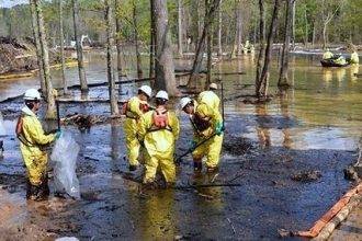 Cleanup efforts in the early days after the March 29 Exxon spill