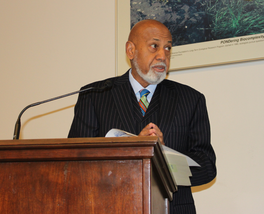 Congressman Alcee Hastings has called on the National Black Chamber of Commerce to cut fossil fuel ties