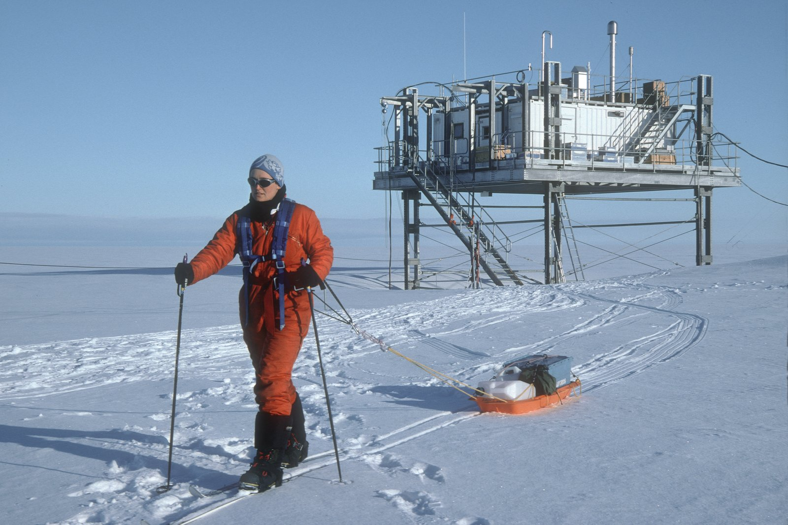 CO2 levels monitored at the Halley Research Station in Antarctica