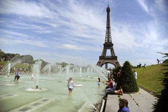 Extreme heat in Paris is more common, but less deadly because of the lessons of 2003
