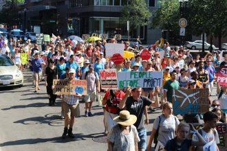 Natural gas pipeline protesters descend on Boston