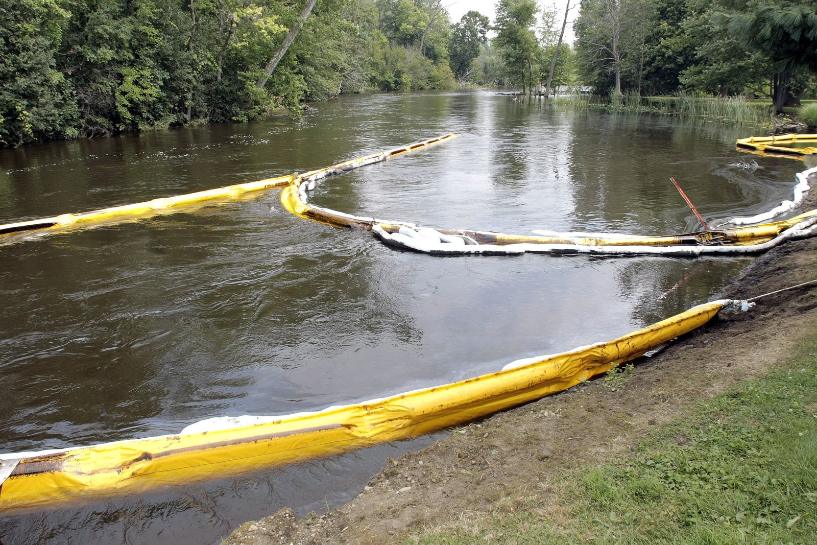 Enbridge's Michigan spill in 2010 has other states worried about its pipelines