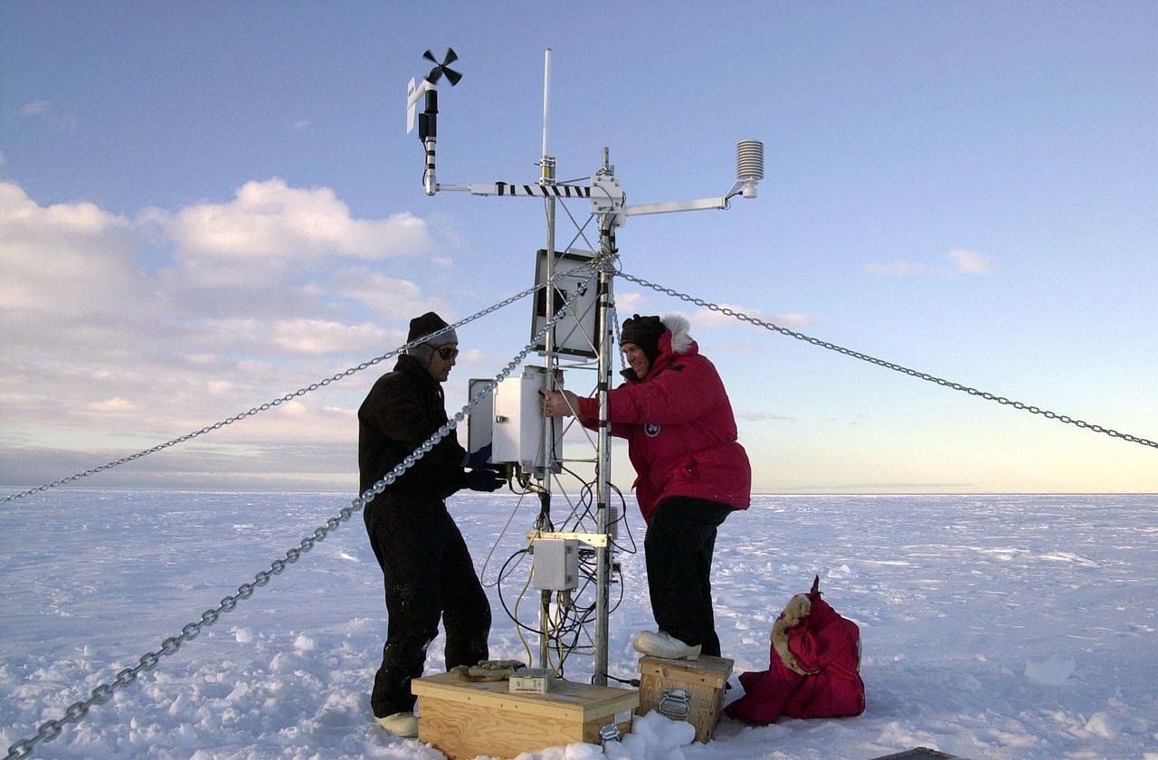Climate scientists monitor ice in Antarctica