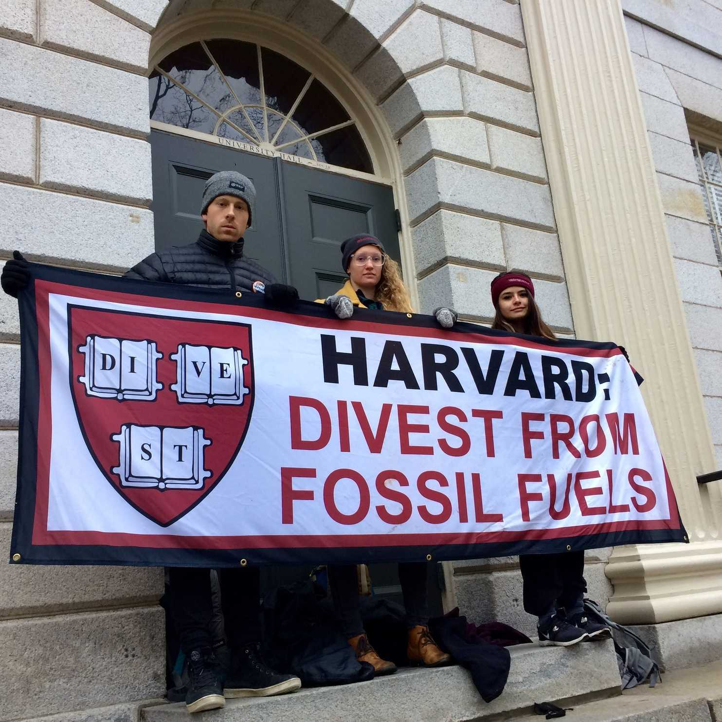 Students blocked the entrance to Harvard's administration building to urge the school to divest from fossil fuels