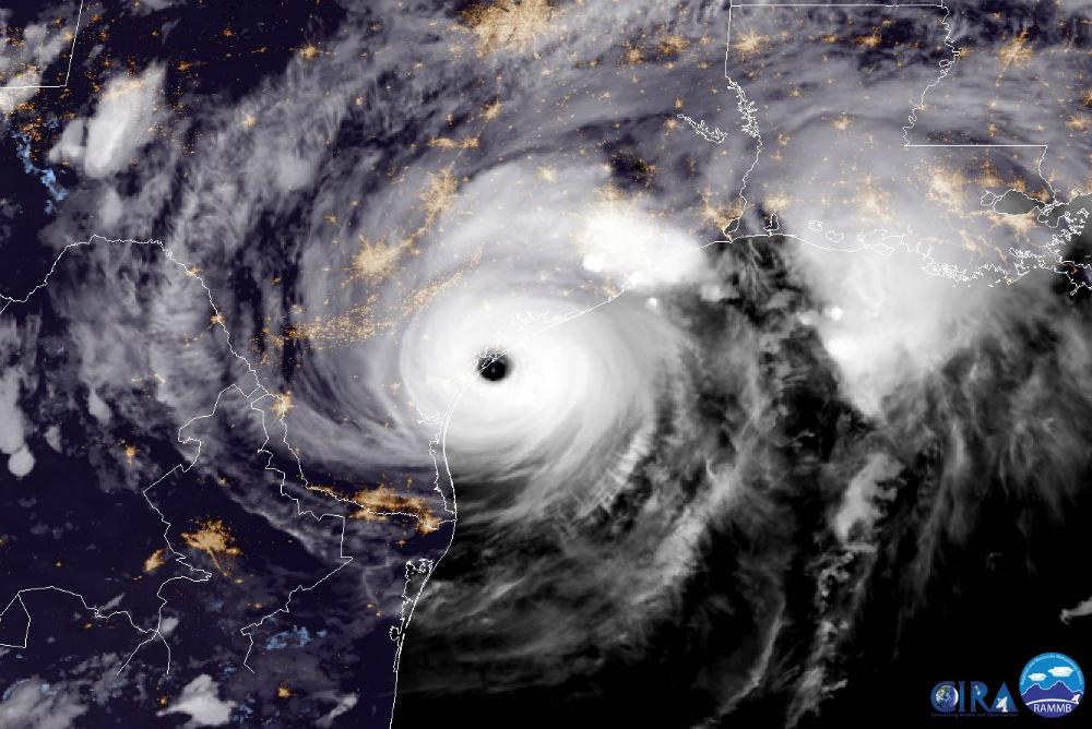 Hurricane Harvey makes landfall on the Texas coast near Corpus Christi. Image: NOAA/GOES Project
