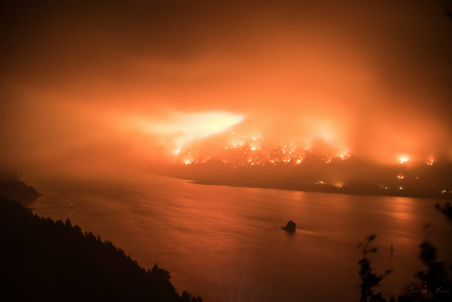 Columbia River Gorge fire on Sept. 5, 2017. Credit: James C. Kling/CC-BY-2.0