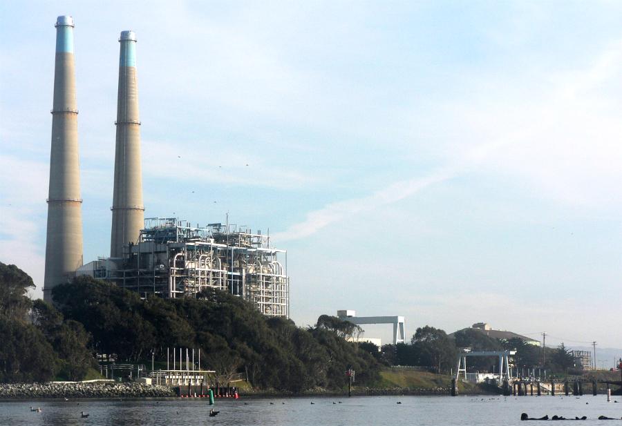 Moss Landing Power Plant in Monterey. David Monniaux/CC-BY-SA-2.0
