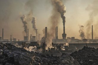 A coal-fired factory in China. Credit: Kevin Frayer/Getty Images