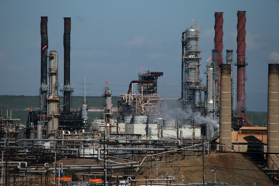 Refinery in Richmond, California. Credit: Justin Sullivan/Getty Images