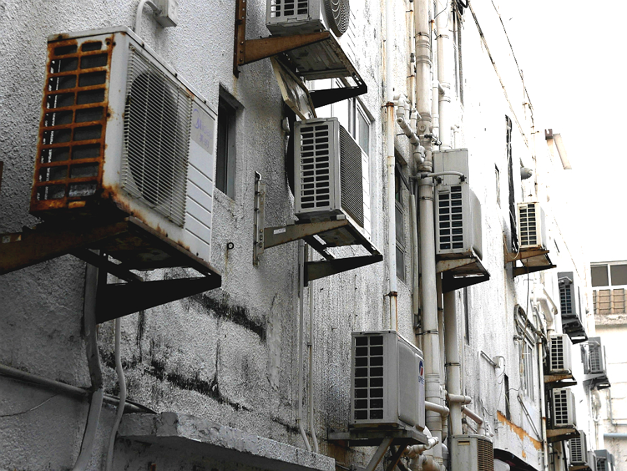 Air-conditioners. Credit: Ken Fung/CC-BY-SA-2.0