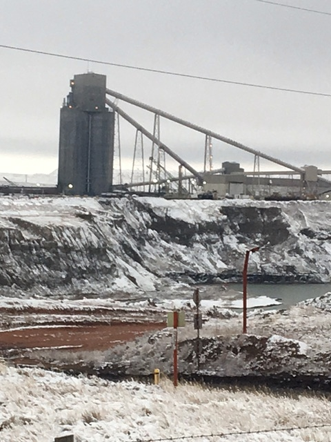 Arch Coal's Black Thunder Mine in Wyoming has helped turn the Powder River basin into the nation's largest coal-producing region. Credit: Robert McClure