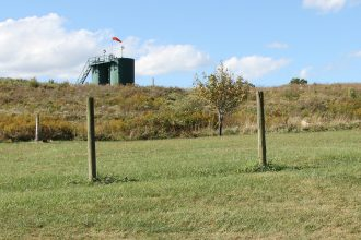 Hydraulic fracturing site near a home in Pennsylvania. Credit: Anna Belle Peevey