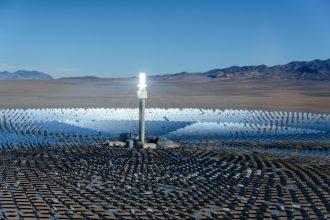 Crescent Dunes Solar Energy Project. Credit: SolarReserve