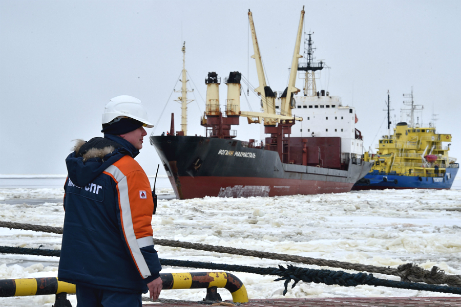 Ships enter Russia's port of Sabetta on the Yamal Peninsula. Credit: Kirill Kudyavtsev/AFP/Getty Images