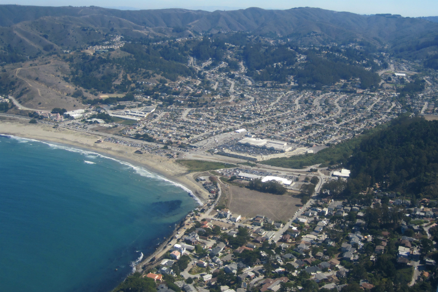 Pacifica California, in San Mateo County, by air. Credit: Philar/CC-BY-SA-2.0