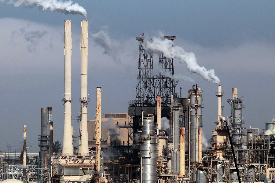A ConocoPhilips refinery in Rodeo, California. Credit: Justin Sullivan/Getty Images