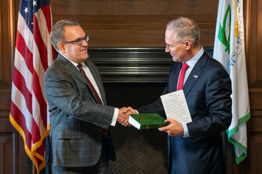 Andrew Wheeler, who becomes acting EPA administrator, is sworn in as deputy administrator by then-EPA head Scott Pruitt. Credit: EPA