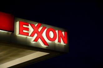 Exxon sign. Credit: Karen Bleier/AFP/Getty Images
