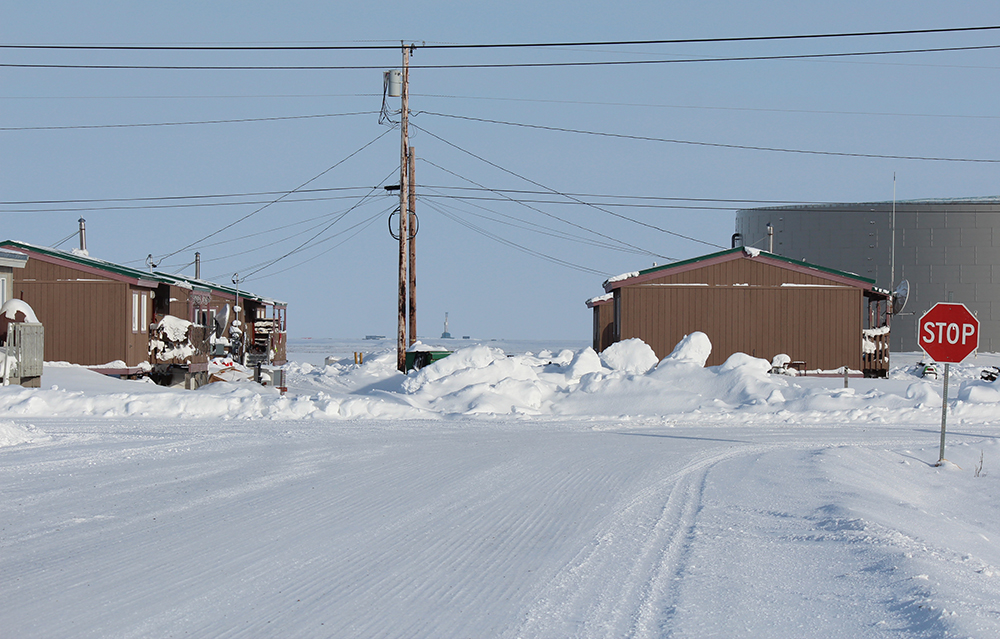 Oil wells are visible from the town's main streets. Credit: Sabrina Shankman/InsideClimate News