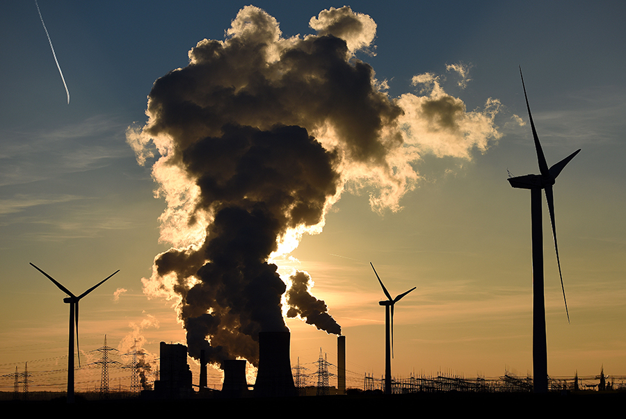Wind and coal power. Credit: Volker Hartmann/Getty Images