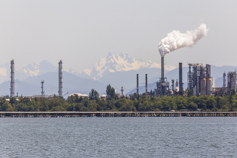 Oil refiners have put more than $29 million into the campaign defeat a price on carbon. Credit: John Duffy/CC-BY-2.0