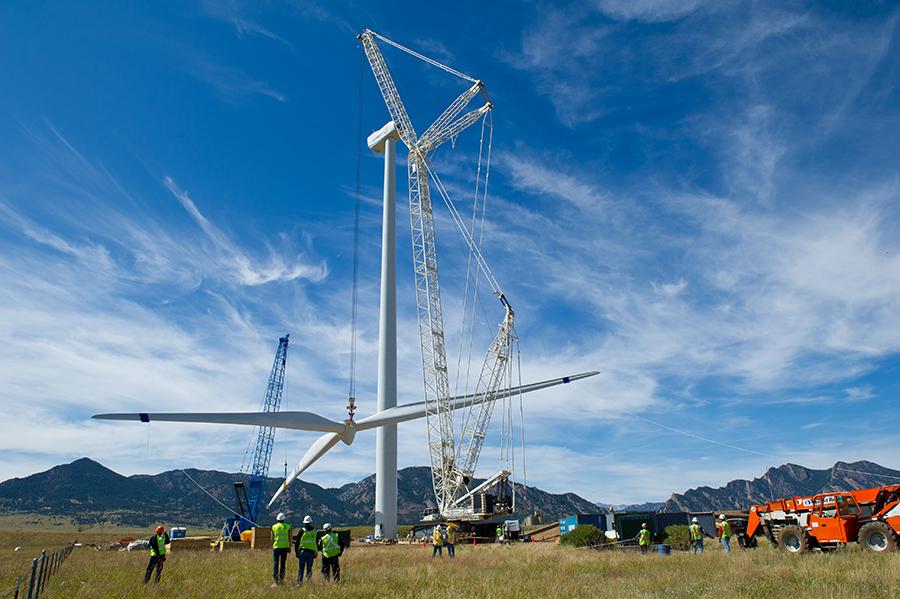 Wind farm construction. Credit: Dennis Schroeder/NREL