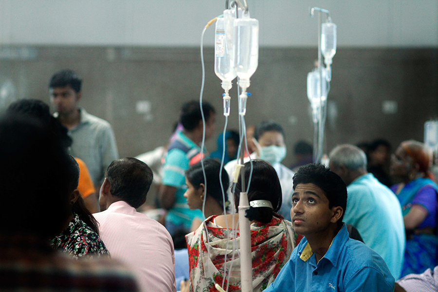 Patients wait for medical care during a dengue fever scare in 2015 in India. Credit: Arun Sharma/Hindustan Times via Getty Images