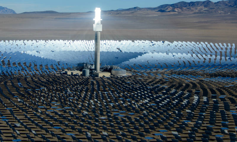 Crescent Dunes concentrated solar power plant. Credit: Solar Reserve