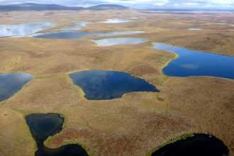 Lake and ponds like these at the foothills of the Brooks Range in Alaska form when permafrost thaws. Copyright: Josefine Lenz/Alfred-Wegener-InstitutLake and ponds like these at the foothills of the Brooks Range in Alaska form when permafrost thaws. The