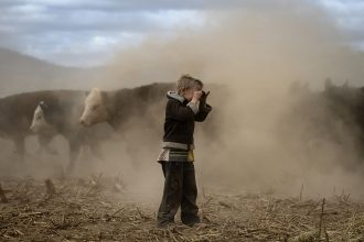 Farmers and ranchers in Australia's New South Wales have been struggling through years of drought that has dried the soil. Credit: Brook Mitchell/Getty Images