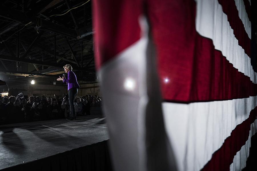 Elizabeth Warren on stage at a campaign event. Credit: Drew Angerer/Getty Images