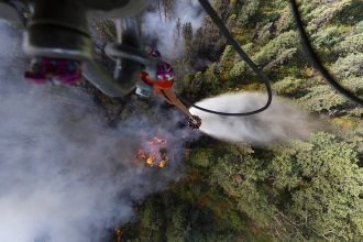 Alaska Army National Guard helicopter crews fought a wildfire on July 4, 2019. Credit: Spc. Michael Risinger/U.S. Army National Guard