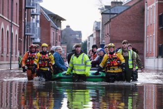 British soldiers and mountain rescue teams evacuated people in York, UK, as the River Ouse flooded in 2015. Credit: Ian Forsyth/Getty Images