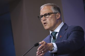 Washington Gov. Jay Inslee speaks about climate change at the Council on Foreign Relations. Credit: Drew Angerer/Getty Images