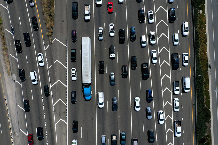Traffic backs up before the San Francisco-Oakland Bay Bridge. Credit: Justin Sullivan/Getty Images
