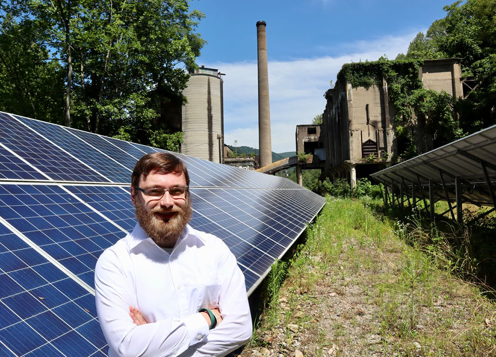 Tre Sexton built a solar farm on an old coal mining operation in Harland County. Credit: James Bruggers/InsideClimate News