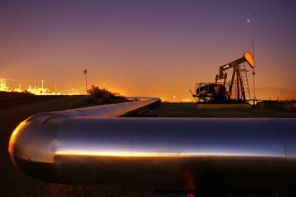 Oil production and pipelines. Credit: David McNew/Getty Images