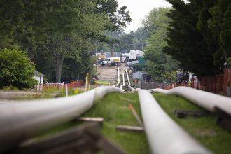 Pipeline construction. Credit: Robert Nicklesberg/Getty Images