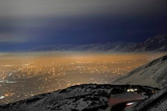 Smog trapped in the Salt Lake valley by a temperature inversion. Credit: George Frey/Getty Images