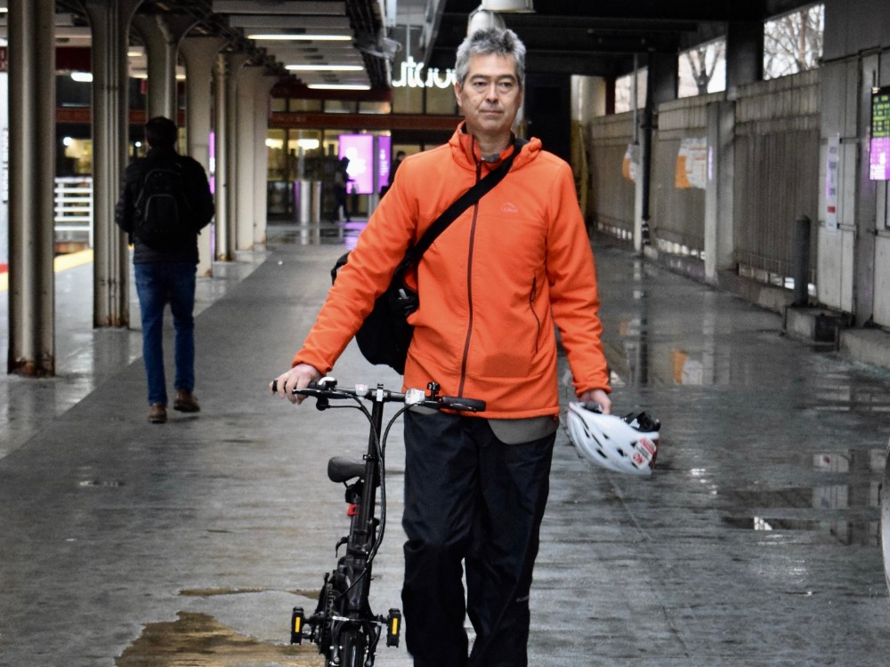Nathan Phillips with his bike. Credit: Phil McKenna/InsideClimate News
