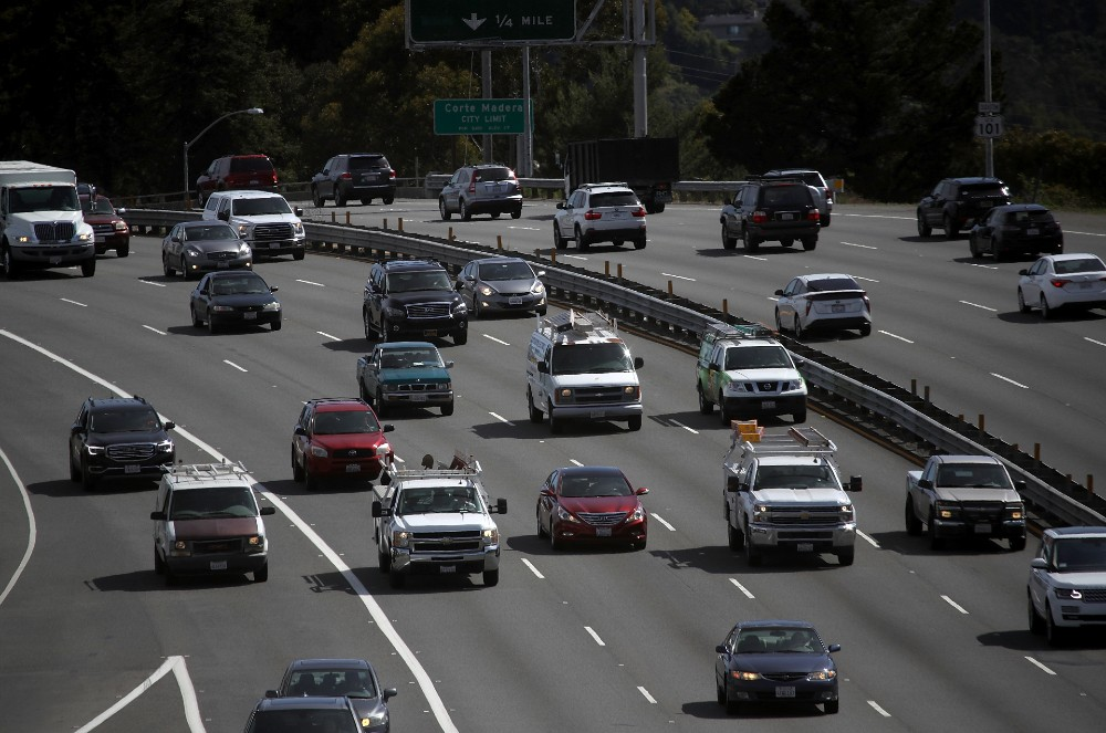 Cars travel on Highway 101 on May 1, 2018 in Larkspur, California. Credit: Justin Sullivan/Getty Images