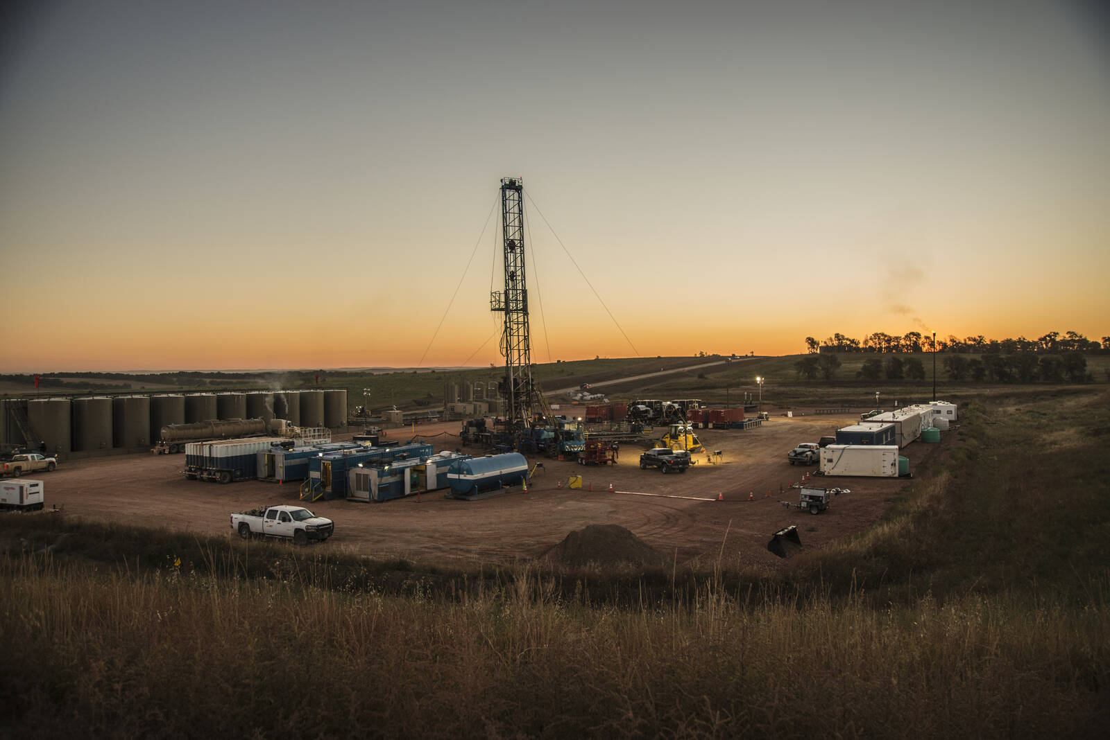 Activity at a Bakken oil well pad south of Watford City, North Dakota. Credit: William Campbell/Corbis via Getty Images