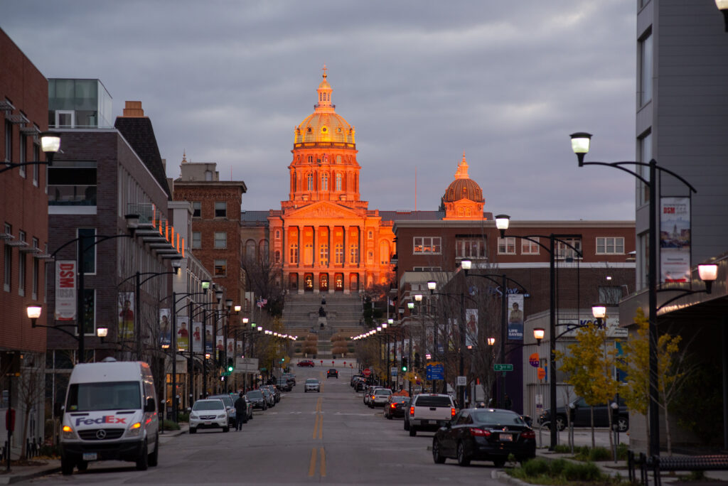 The State Capital of Iowa reflects the sunset on Nov. 6, 2018 in Des Moines, Iowa. Credit: David Greedy/Getty Images