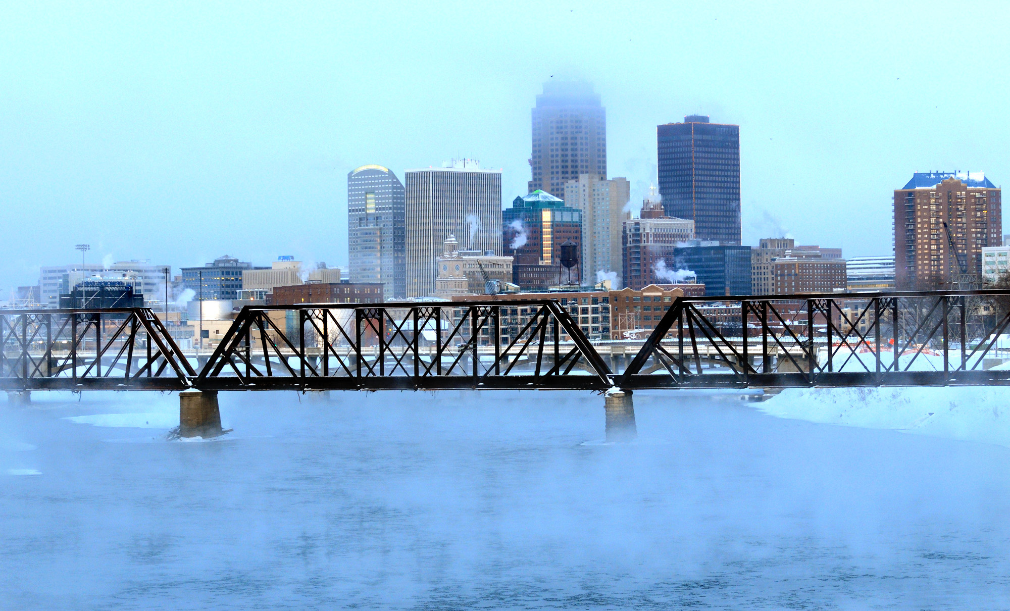 The Des Moines City Council unanimously voted this week in favor of a resolution that sets a goal of reaching 24/7 carbon-free electricity by 2035. Credit: Steve Pope/Getty Images